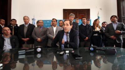 Peligran los sueldos y servicios por un embargo millonario a las cuentas del municipio de La Plata
