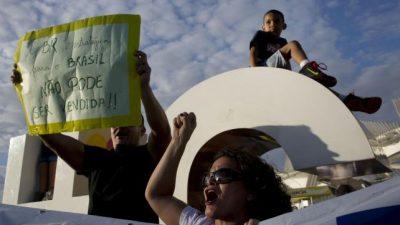 Dividido, Brasil volvió a protestar en las calles