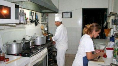 Preocupación de los empleados hoteleros y gastronómicos de San Juan por suspensiones y despidos