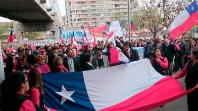 Un 90% de adhesión a paro de empleados públicos de Chile