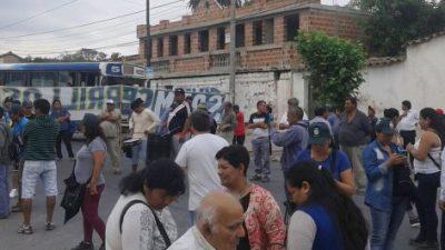 Cerrillos: Se prolonga el paro y la intendenta pide solidaridad