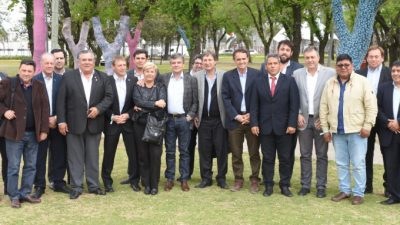El Grupo Esmeralda recibió a intendentes peronistas de otras provincias