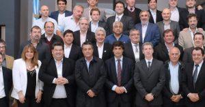"""El ministro de Economía bonaerese recibió a 25 intendentes y prometió """"previsibilidad"""""""