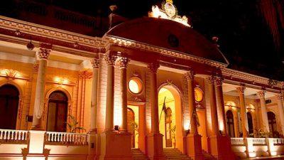 Corrientes: Capital y Provincia, sin tregua por las deudas