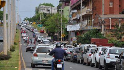 Sangría comercial: más de 140 mil argentinos usaron el feriado largo para comprar más barato en Encarnación