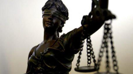 Juristas y jueces de pacotilla