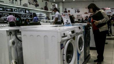 La confianza del consumidor se desplomó 27,2% en noviembre