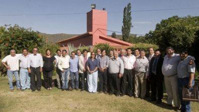 Corpacci, junto a los intendentes catamarqueños, define la fecha de las elecciones