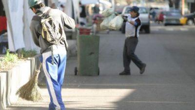 Empleados Municipales de Andalgalá piden un bono de $ 2.000