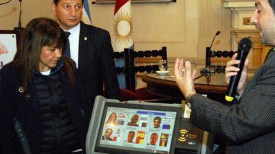 Desde el año 2019, los cordobeses votarán a través de una pantalla táctil