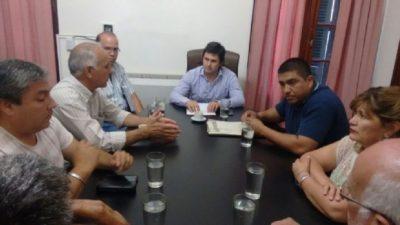 """Municipales de Catamarca amenazan con un corte """"provincial"""" de rutas por el bono"""
