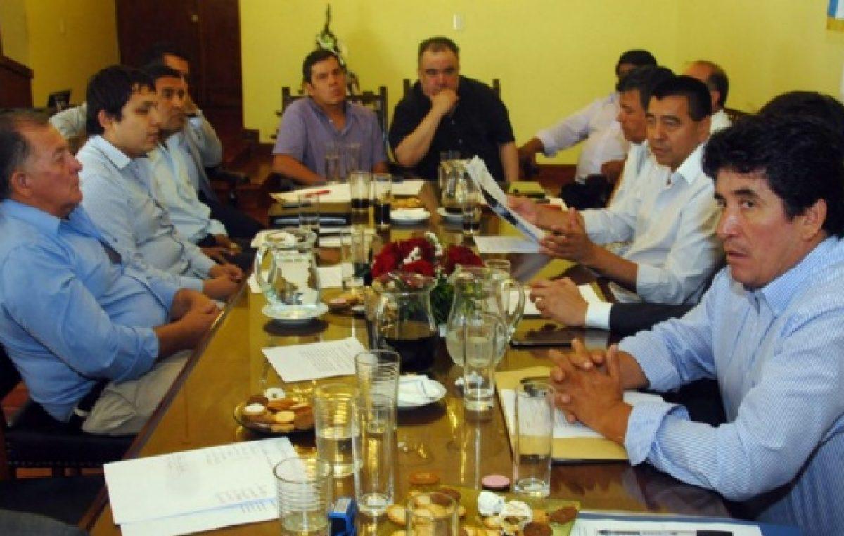 Todos los municipios catamarqueños recibirán ayuda para pagar el aguinaldo