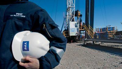 El petróleo, con olor a crisis y ajuste