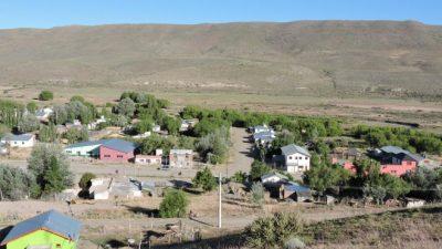 Ñorquinco, un pueblo con matices de estepa patagónica y cordillera