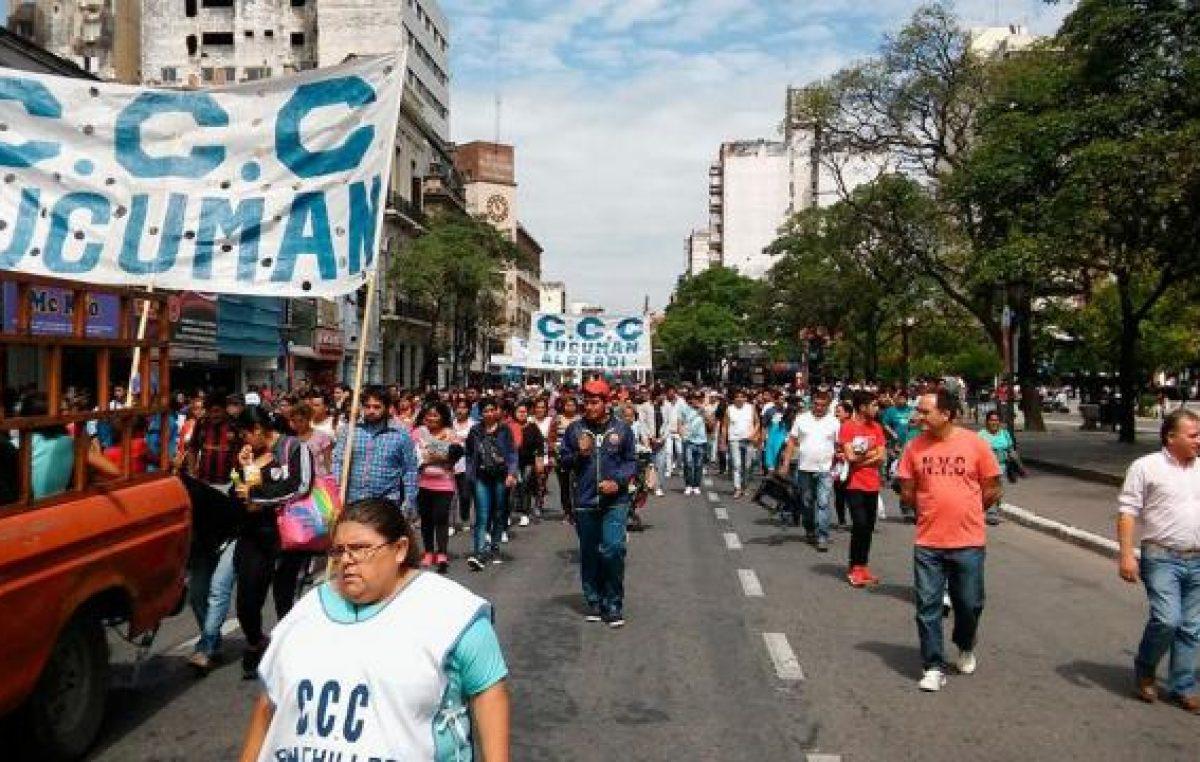 Manifestaciones y cortes: el reclamo por el bono navideño se extendió a distintos puntos de la ciudad de Tucumán