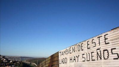 Trump ordenó levantar el muro con México