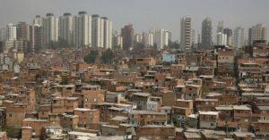La brecha entre ricos y pobres crece a niveles obscenos en el mundo