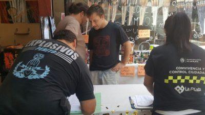 La Plata también le declara la guerra a la venta callejera: desalojó 550 puestos en un año
