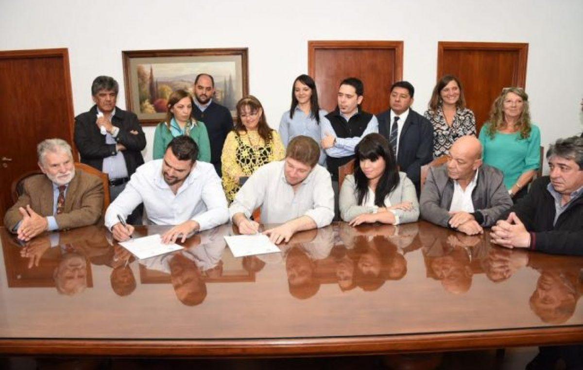 Tierra del Fuego: Vuoto y Melella firmaron un acta de cooperación y defensa de la autonomía municipal