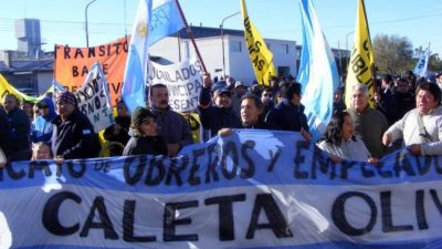 Agentes comunales de Caleta Olivia decretaron paro total de actividades