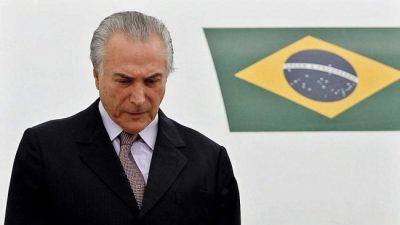 Días de mentiras en un precipicio llamado Brasil