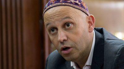 Piden investigar irregularidades en contrataciones hechas por el ministerio que conduce Bergman