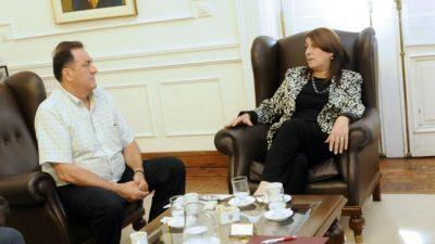 La intendenta de Rosarioavizora una negociación salarial compleja con los municipales