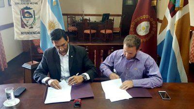 Los 60 municipios salteños firmaron convenios de acceso a la tierra y regularización dominial