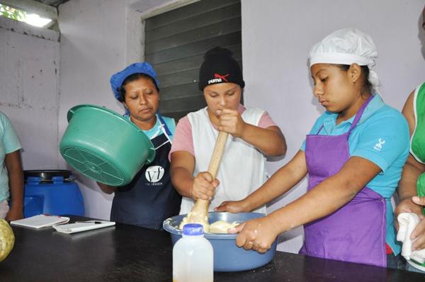 Jóvenes y adultos correntinos buscan capacitarse en oficios