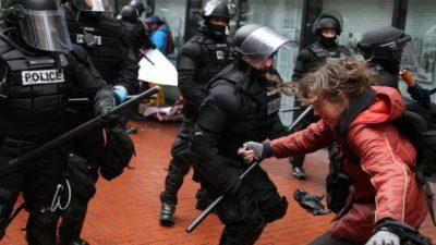 La resistencia ganó la calle en el primer mes de Trump