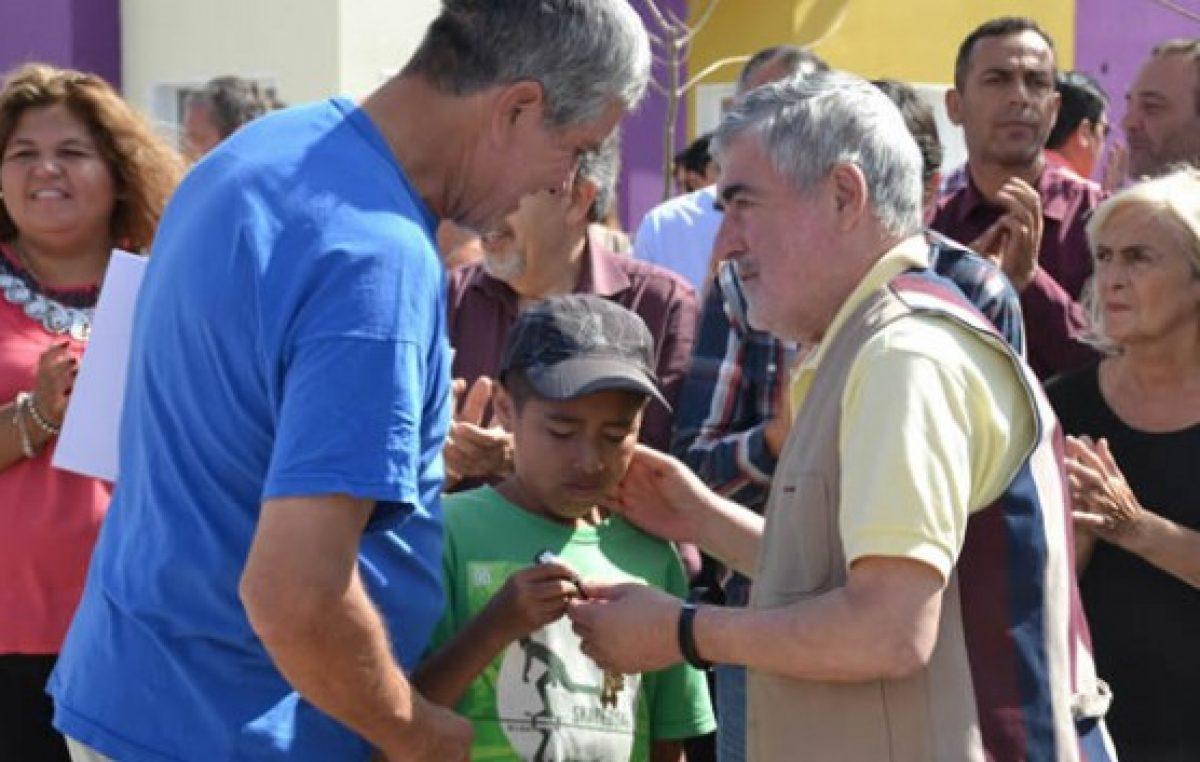 """Das Neves pidió a los Intendentes de Chubut """"celeridad"""" con las obras del bono"""