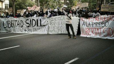 En Barcelona, los manteros se organizaron y hasta tienen un sindicato