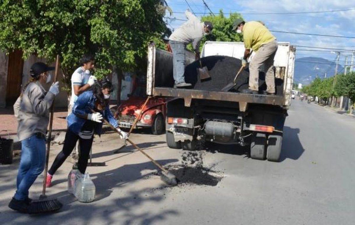 El municipio riojano lanzó plan masivo de bacheo: 1500 cuadras