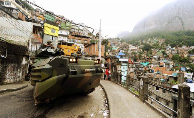 Brasil: Temer autoriza a las Fuerzas Armadas a intervenir las calles de Río de Janeiro
