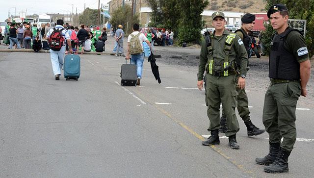 Caleta Olivia: Los municipales levantaron el corte y volverían a la ruta N° 3