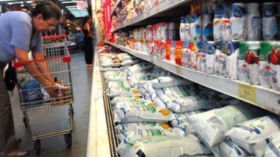 Por primera vez en 12 años las familias argentinas suspendieron la compra de leche y otros lácteos