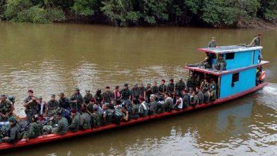 Colombia: los guerrilleros marchan para entregar sus armas