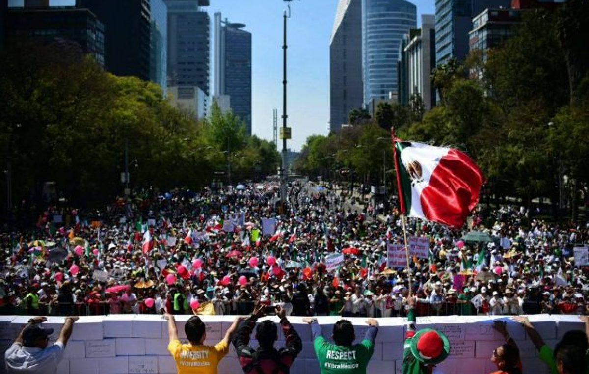 Miles de mexicanos contra Trump