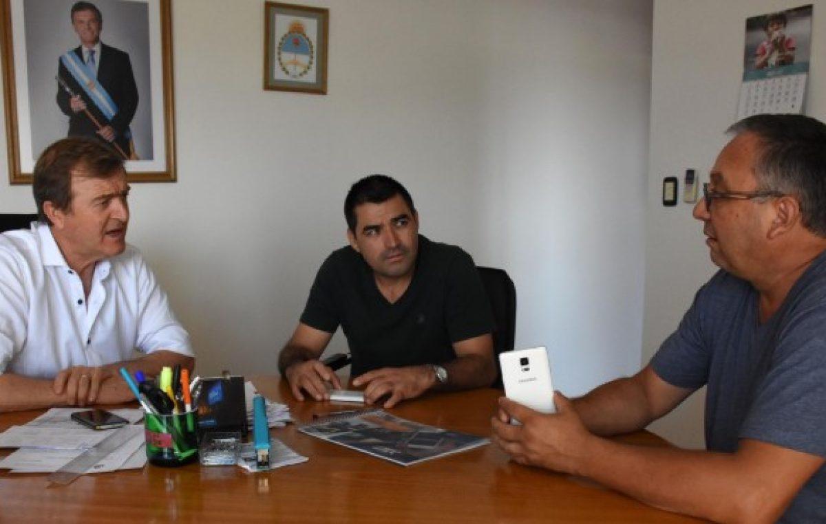Cipolletti debate sueldos y contratos
