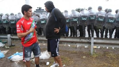 """Advierten sobre el peligro de una """"guerra de pobres contra pobres"""" por las protestas sociales"""