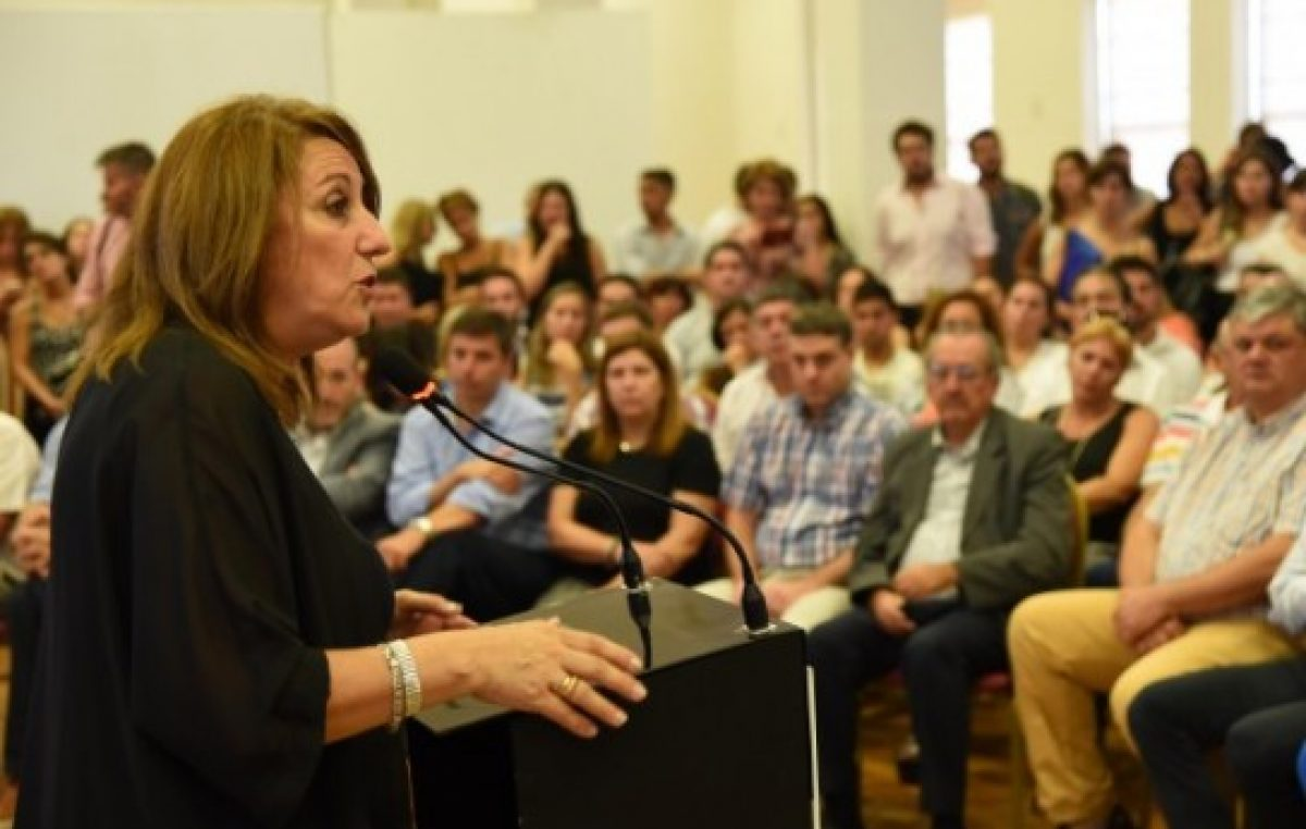 Rosario: Fein mintió sobre el viaje a Europa