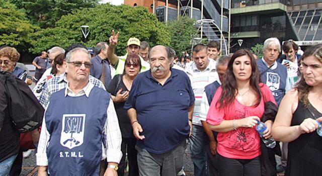 Municipales de Lanús anunciaron un paro para la próxima semana