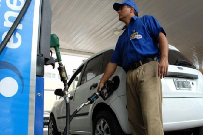 Continúa la polémica tasa vial en la nafta: Los municipios bonaerenses que están en la mira de la Justicia