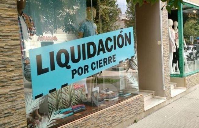 Resistencia: Se incrementa el cierre de locales de ropa por la crisis económica