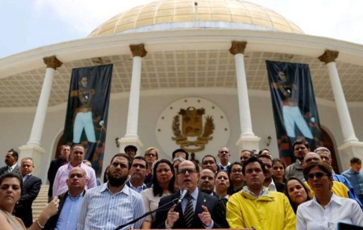Venezuela: disolvieron el Parlamento y la oposición denuncia un golpe de Estado