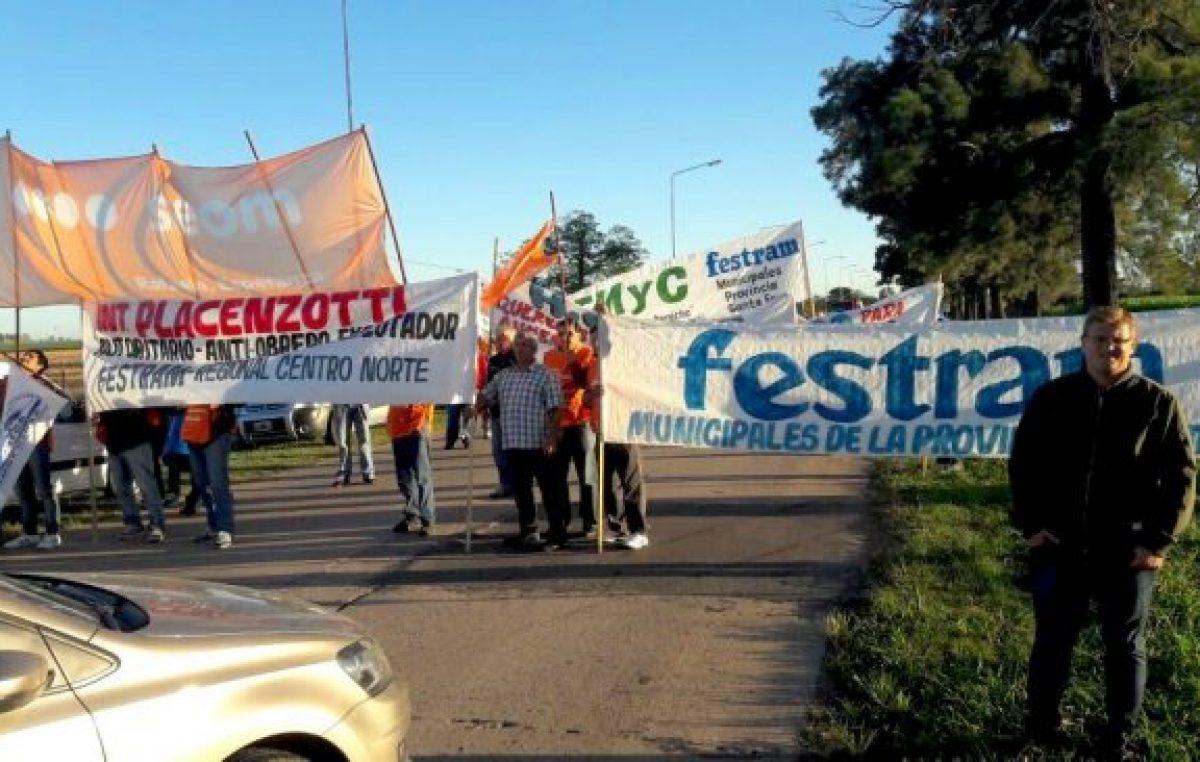 Municipales cortan las rutas de acceso a San Carlos Centro