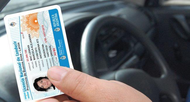 """Denuncian a municipios que emiten licencias de conducir """"fuera de ley"""""""