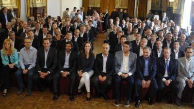 """Buenos Aires: Mensaje de provincia a los intendentes por las paritarias: """"Recomendamos el acuerdo que se hizo con los estatales"""""""