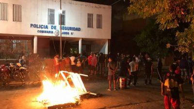 Brutal represión de la Policía Bonaerense en comedor comunitario en Lanús