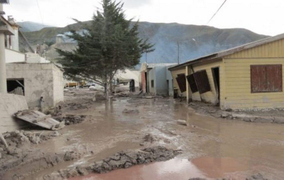 Trabajo del IVUJ en la reconstrucción de viviendas en Volcán